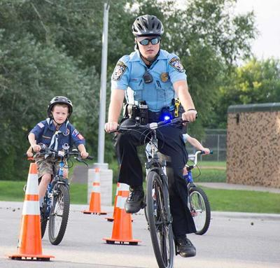 Pack 432 and CLPD to offer free bike helmets