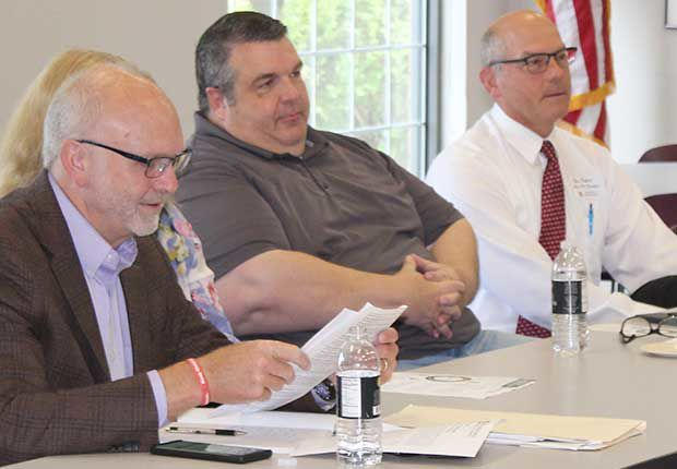 Chamberlain and White Bear Chamber discuss government affairs