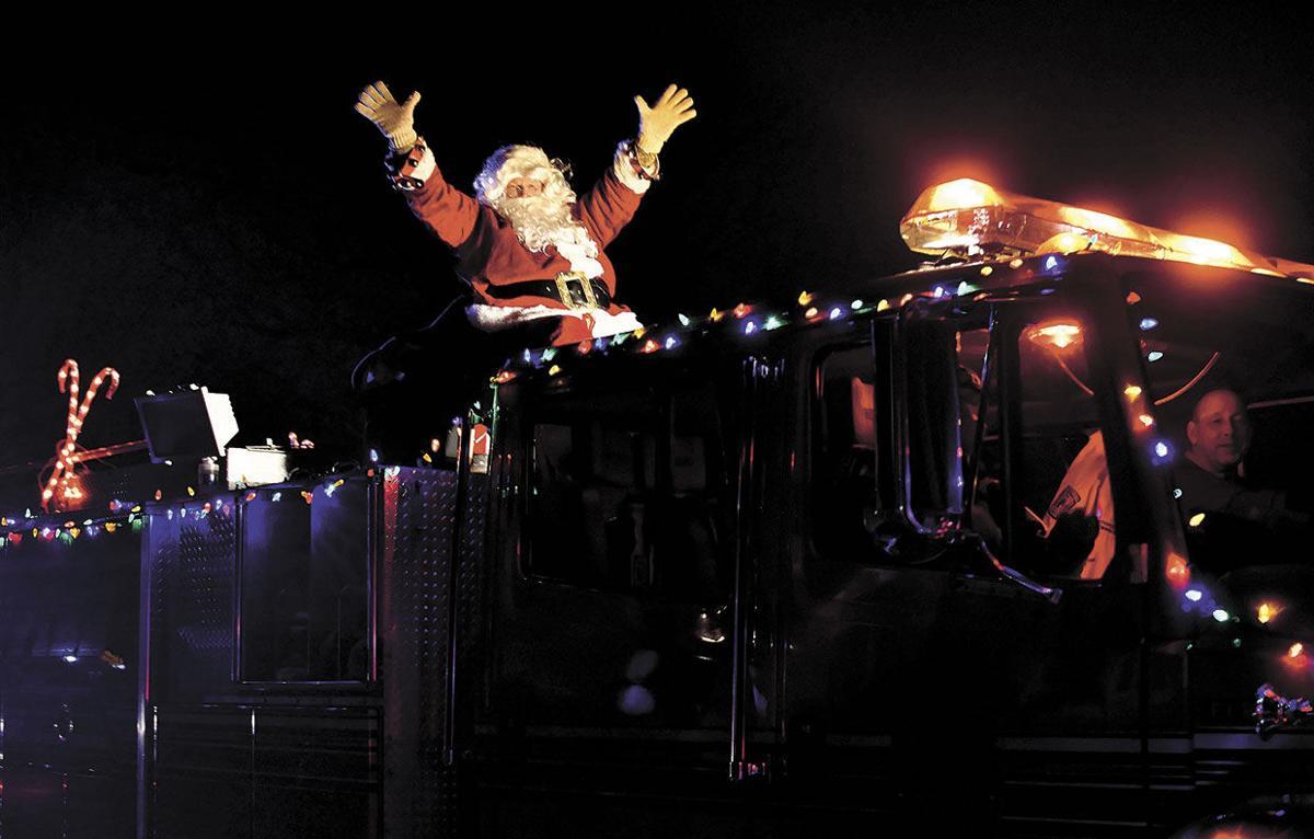 Santa rolls into Circle Pines