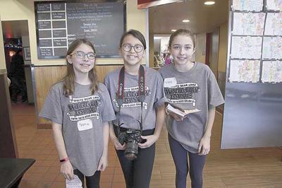 Willow Lane students take over Donatelli's