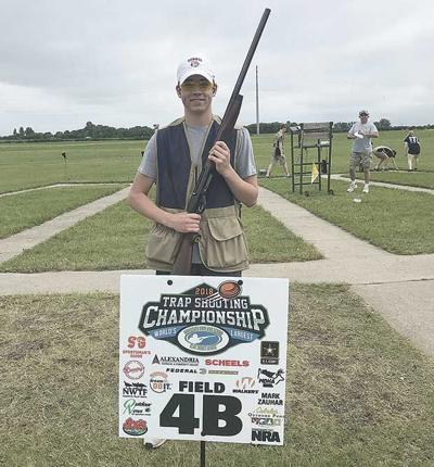 Mahtomedi junior claims state trapshooting title with perfect score