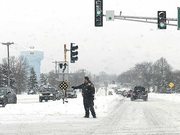 16-car pileup on I-694 during snowfall | News | presspubs com