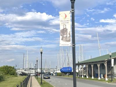 Mayor breaks council tie on first marina vote