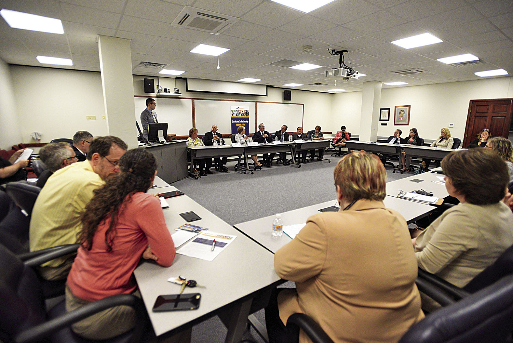 Roundtable Sheds Light On Excelsior Scholarship