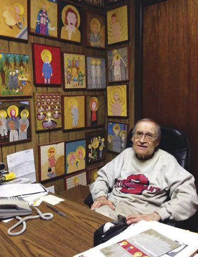 E'town man's carvings return identity to Holocaust victims
