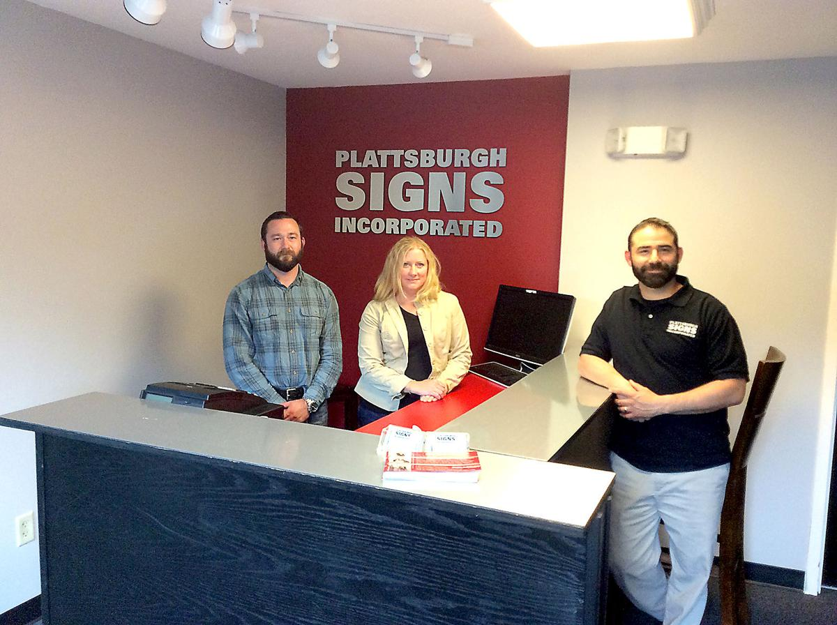the sign maker expands service
