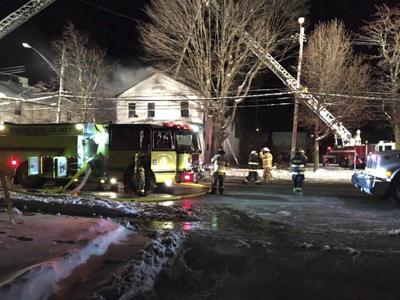 Crews respond quickly to Champlain fire