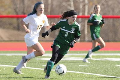 McAuliffe's late strike propels Eagles to sectional title