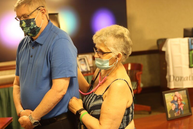 'I owe her my life': Lung transplant recipient gets rare chance to meet donor's family