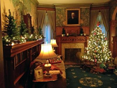 Historic House Museum Decorated for the Season