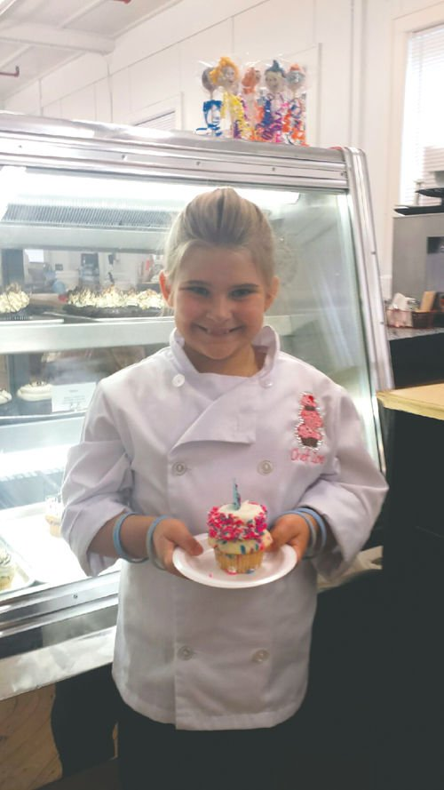 Connecticut girl tours the state  for unique cupcakes