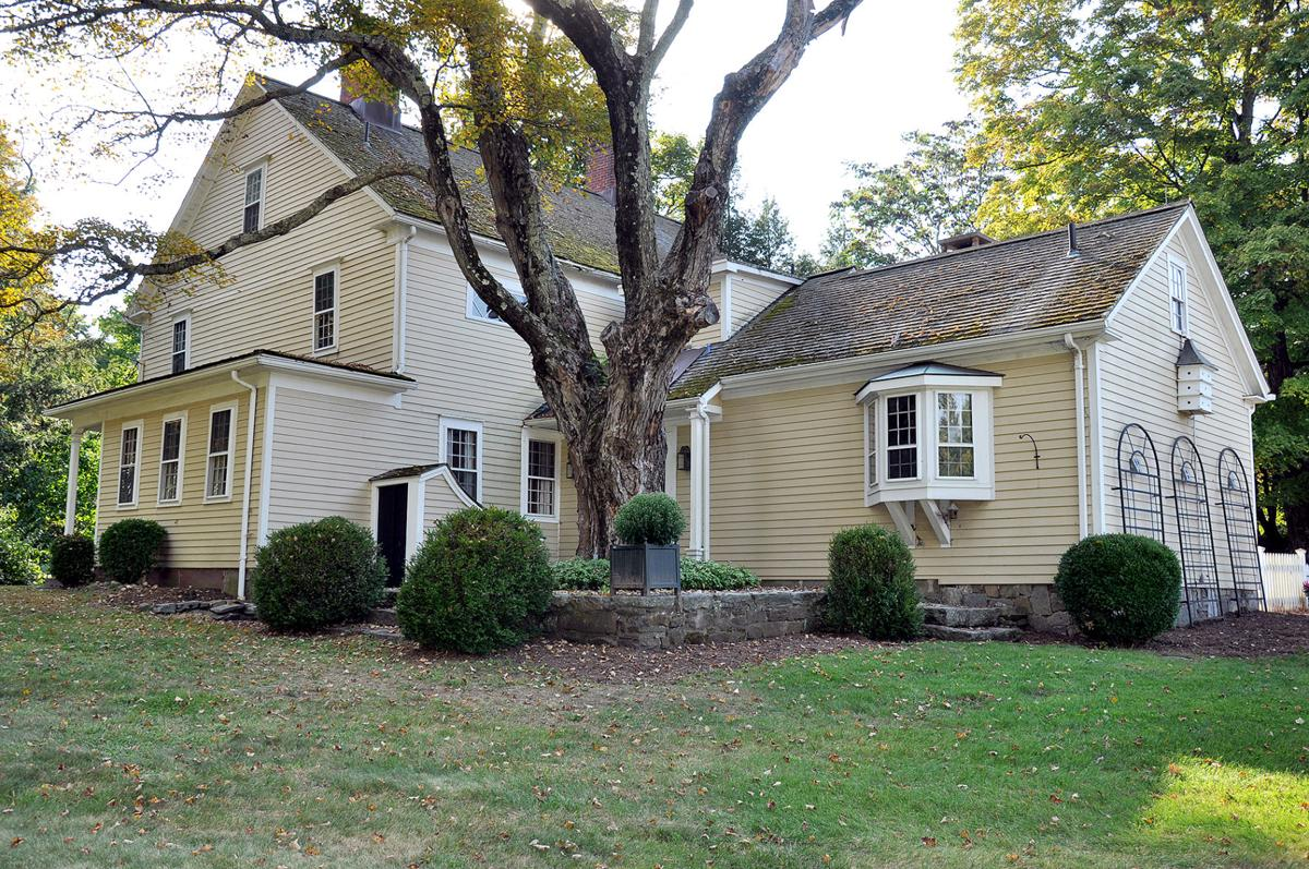 The Woman's Club of Woodbury: Holiday House Tour Scheduled