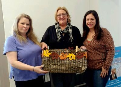 WOMEN'S CLUB PRESENTS BASKET