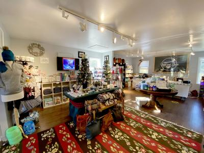 Piper and Dune in Bennett Square, Southbury:  New Gift Store Opens Holiday Shop