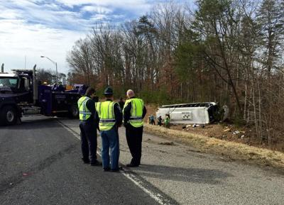 UPDATE: Bus accident on Indiana I-65 injures members of college bowling team