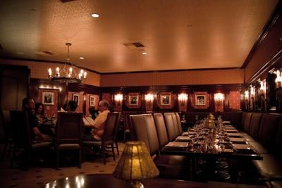 Cuomo lets eateries seat a few more patrons, next week 1