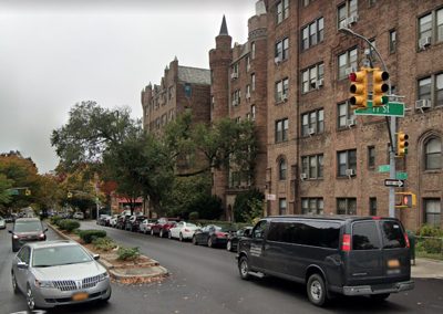 Short stretch in Jackson Heights closed to cars 1