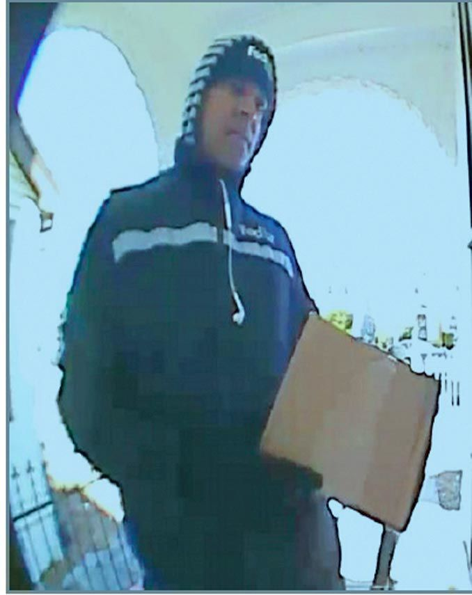 NYPD impersonator sought in carjackings