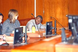 Juror in Lewis case can't sway judge