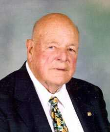 Judge Robert Groh, 90, Dies; Was Sanitation Commissioner