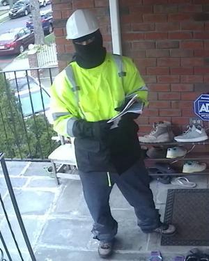 WITH VIDEO: Cops seek would-be burglars of Auburndale home 2