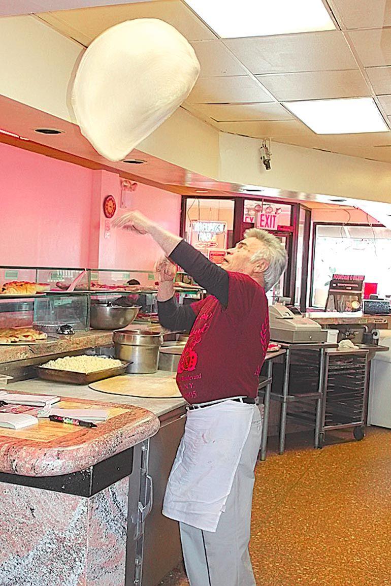 Aldo Calore soon to make his last pizza 2