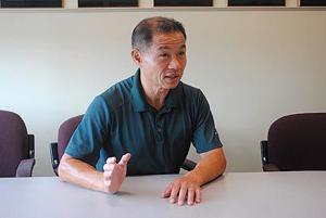 Liu talks primary rematch with Avella 1