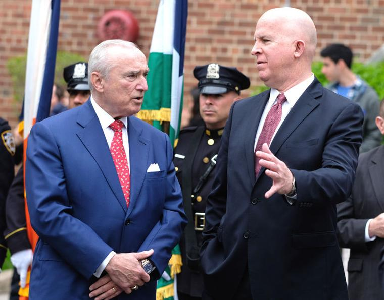 Tributes paid to longtime Queens DA 10