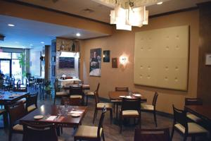 <p>Magna is a top-notch Italian restaurant at 35-25 Farrington St. in Flushing.</p>