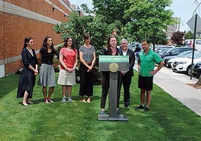 Celebrating new green roof legislation 1