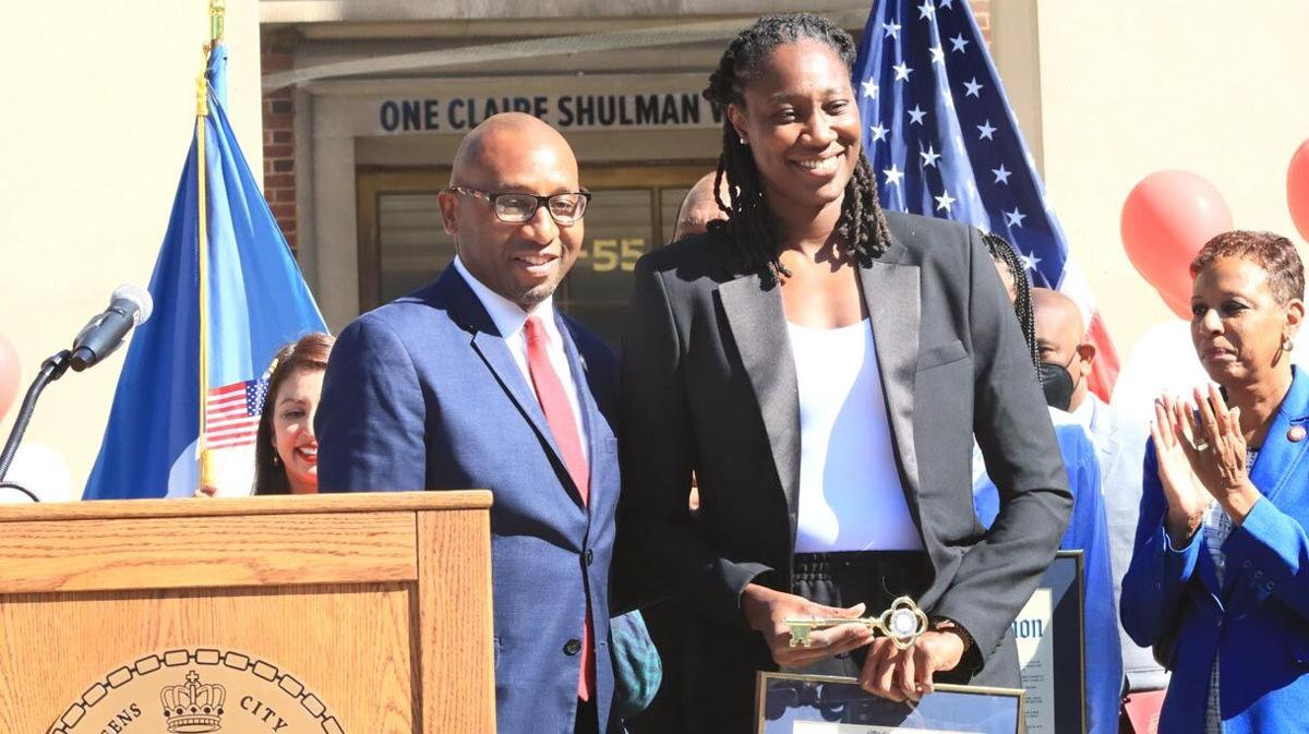 Olympic athletes get the keys to Queens 3