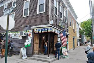 Last call for iconic Queens bar Neir's, closing down after 190 years