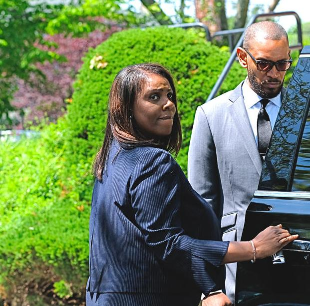Tributes paid to longtime Queens DA 11
