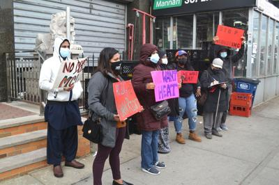 Tenants protest Queens landlord 1