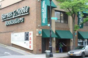 Future of Forest Hills Barnes & Noble in doubt 1