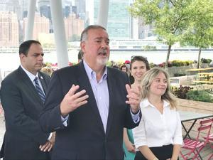 Queens leaders call for more solar 1