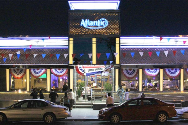 Grand opening of the Atlantic — Greek diner returns in Richmond Hill after renovation