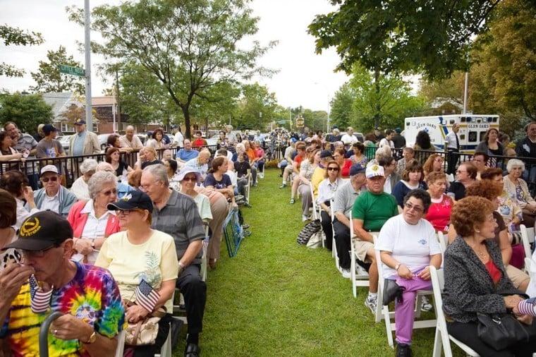 Glen Oaks dedicates park to armed forces 1