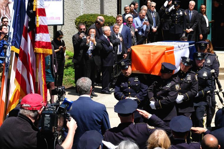 Tributes paid to longtime Queens DA 3