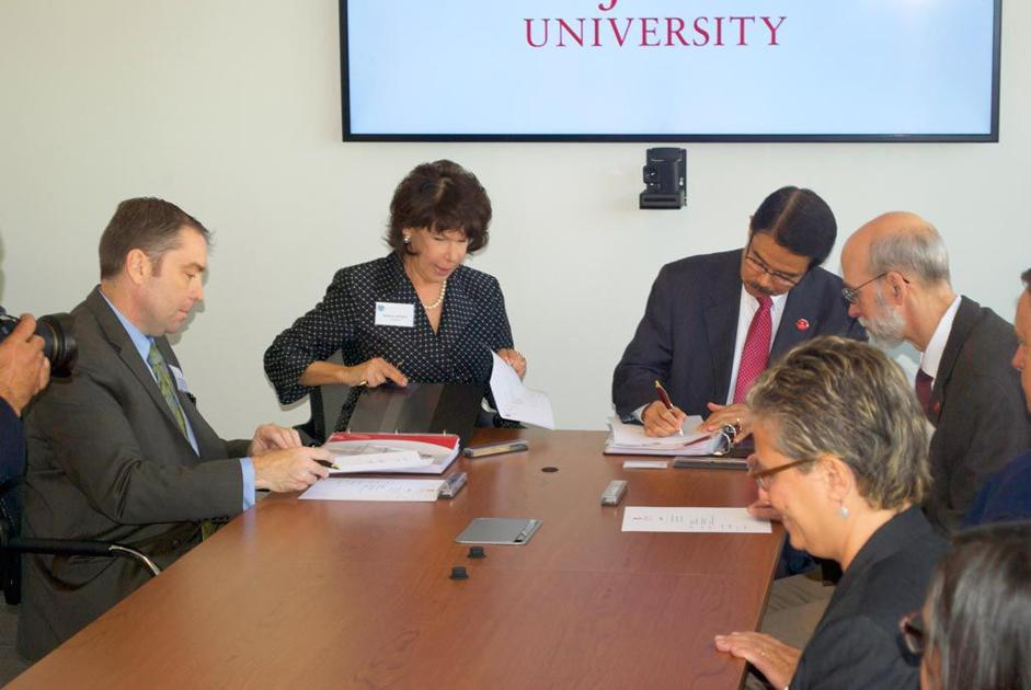 Sju Qcc Sign New Transfer Agreement Queens Chronicle Queenswide