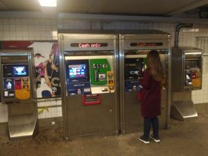 Cash only at 71st-Continental MetroCard machines