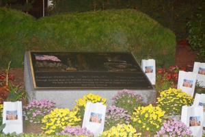Middle Village pays tribute to the fallen 5