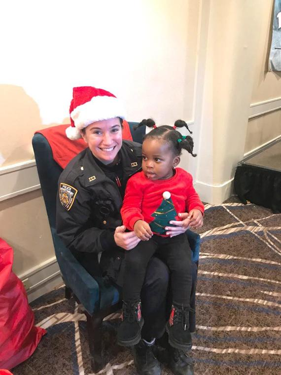 'Tis the season for smiles in the 113th Pct. 11