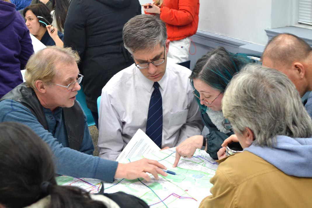 Bus redesign plan gets mostly good reviews 2