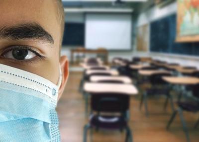 NYC schools stick to mask mandate 1