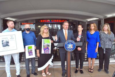 Calling on Cuomo to sign hospital reform 1