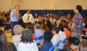 Mayor hosts town hall meet in Astoria 1