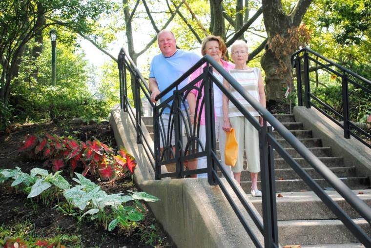 Douglaston Garden Club's a blooming success  1