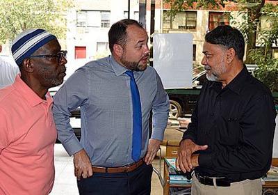 Council funds Muslim assistance agencies 1