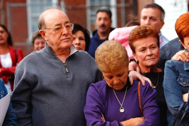 Vigil for Sheehan draws hundreds 1